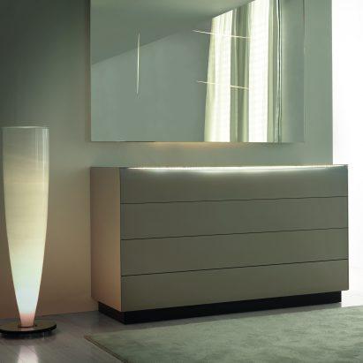 Luna Dresser