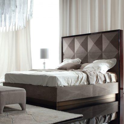Coliseum Bed