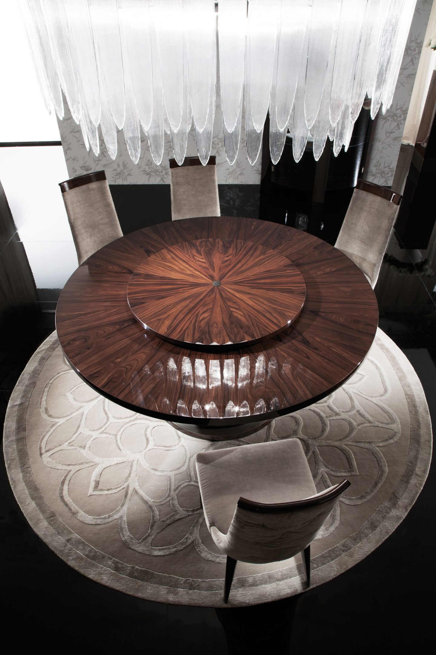 Coliseum Round Dining Table