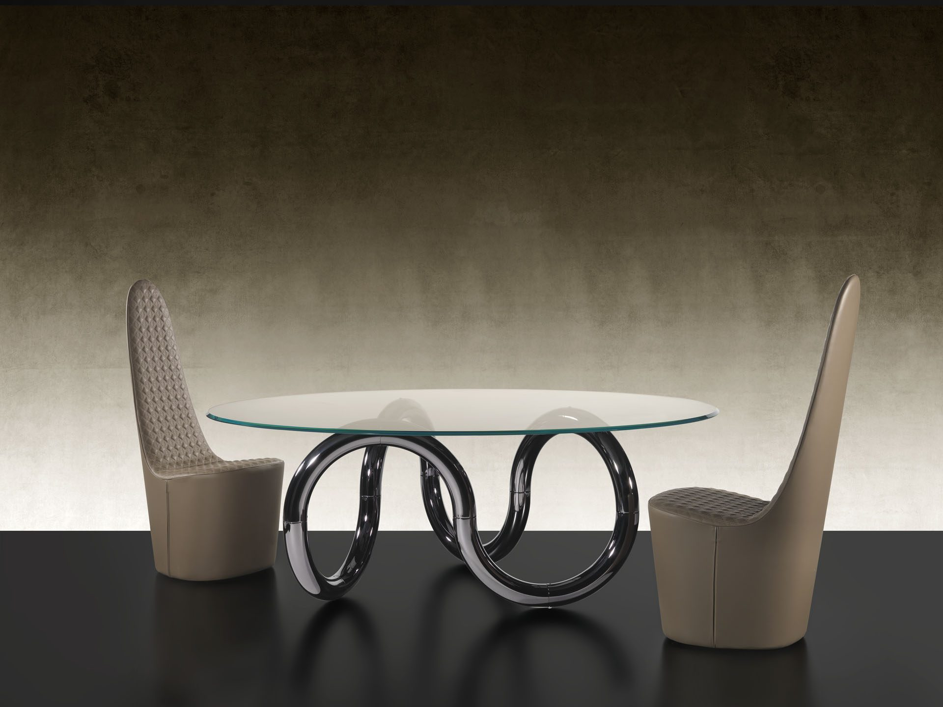 Aenigma Dining Table