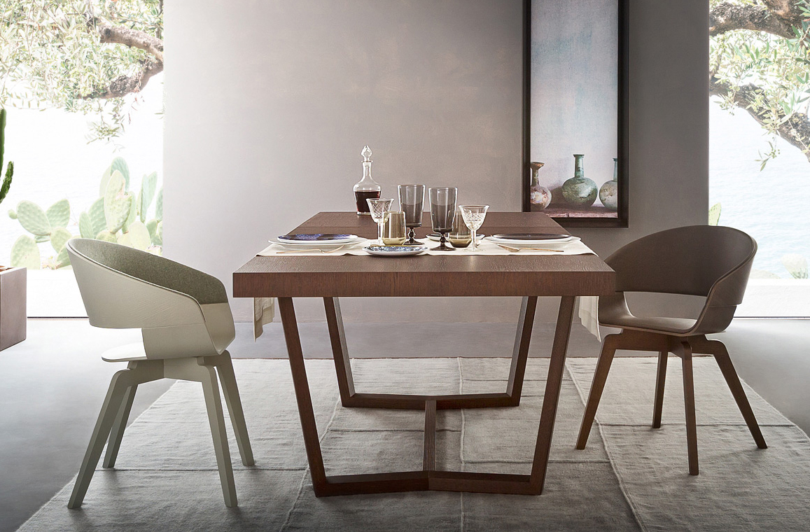 Carteo Dining Table