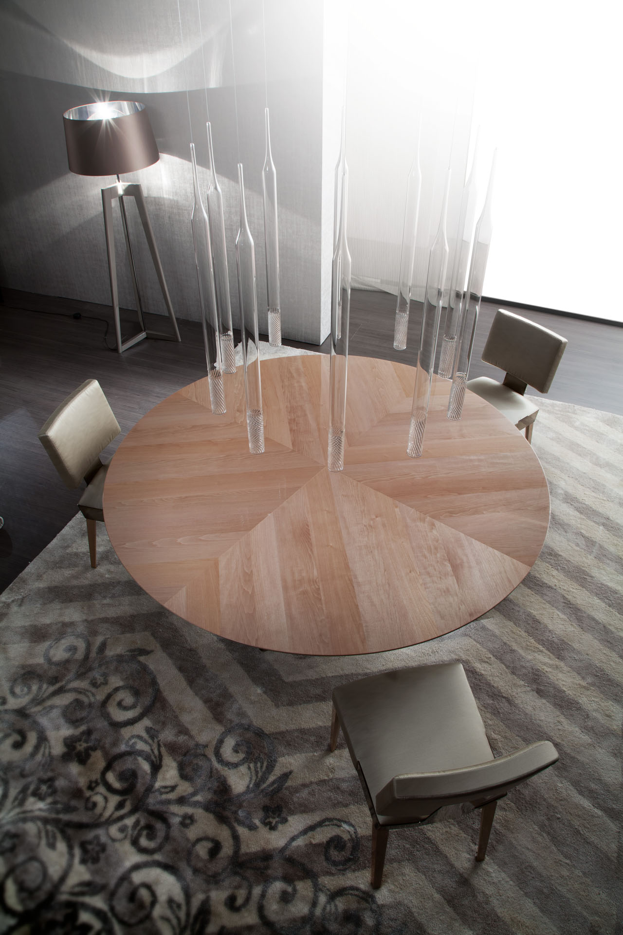Dress Dining Table
