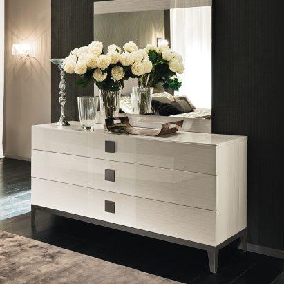 Monte Blanca Dresser