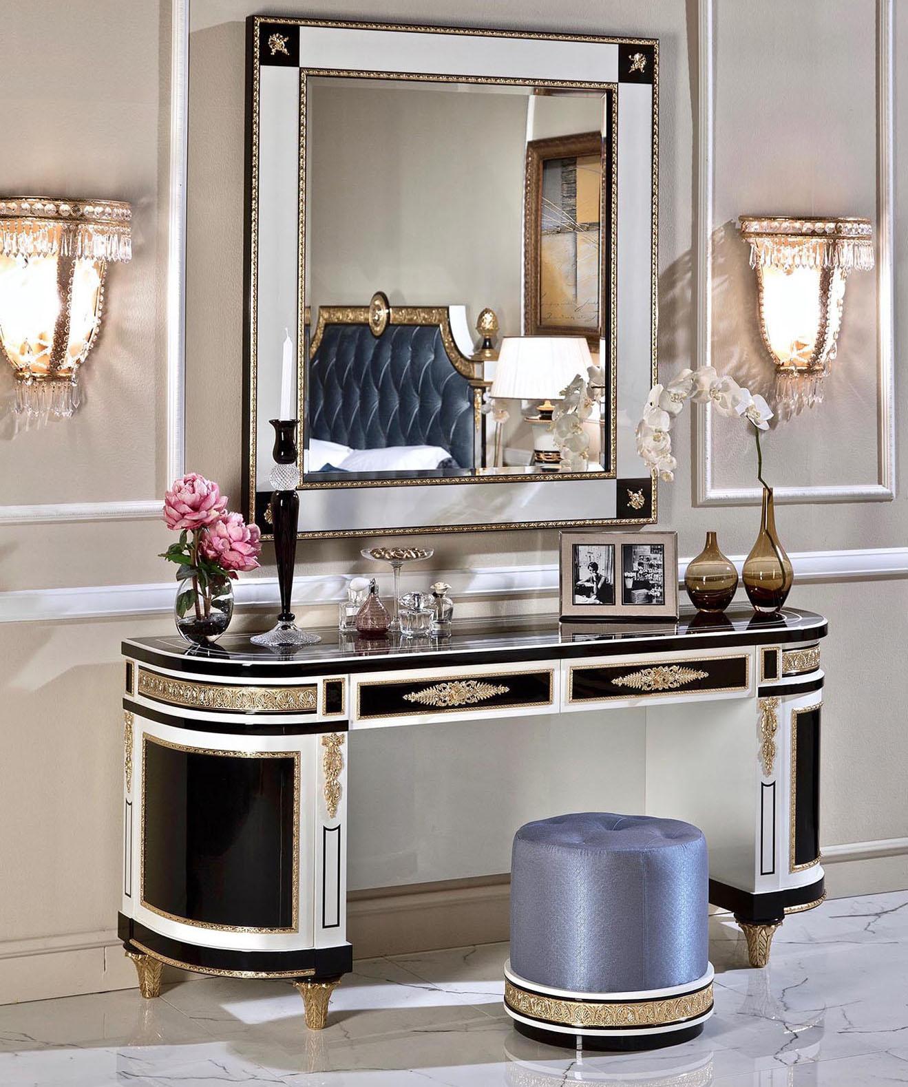 Wellington Vanity Desk