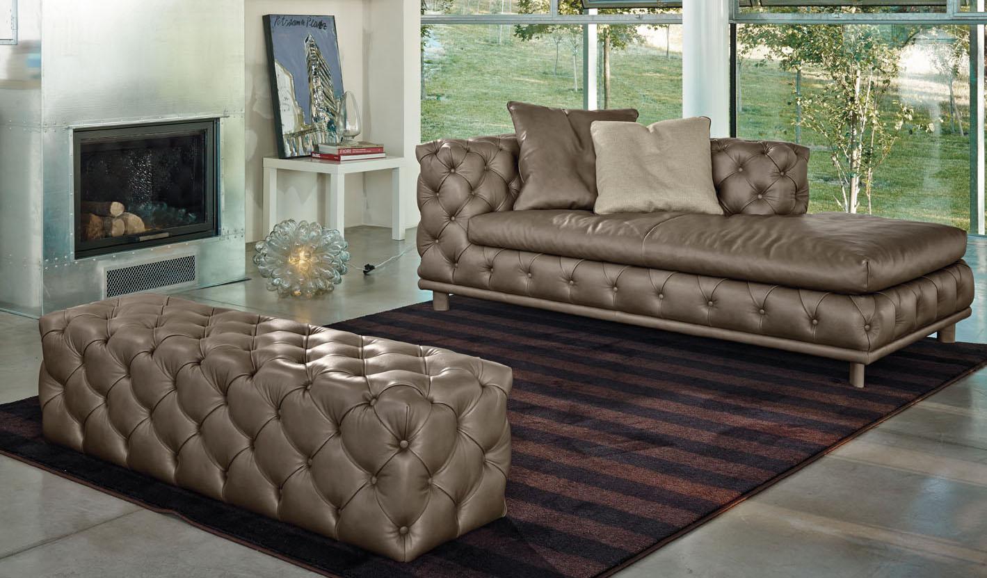 Aston Chaise Lounge