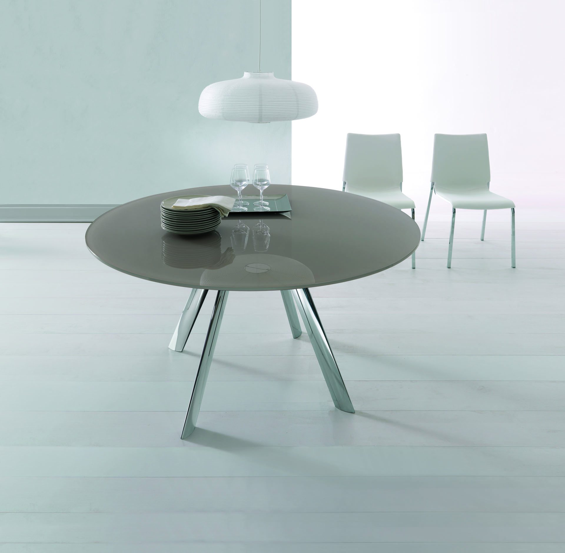 Giro Dining Table
