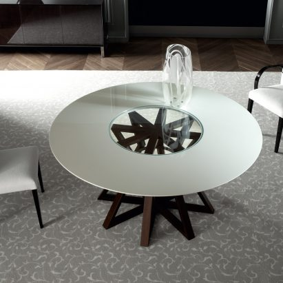 Maestro Dining Table