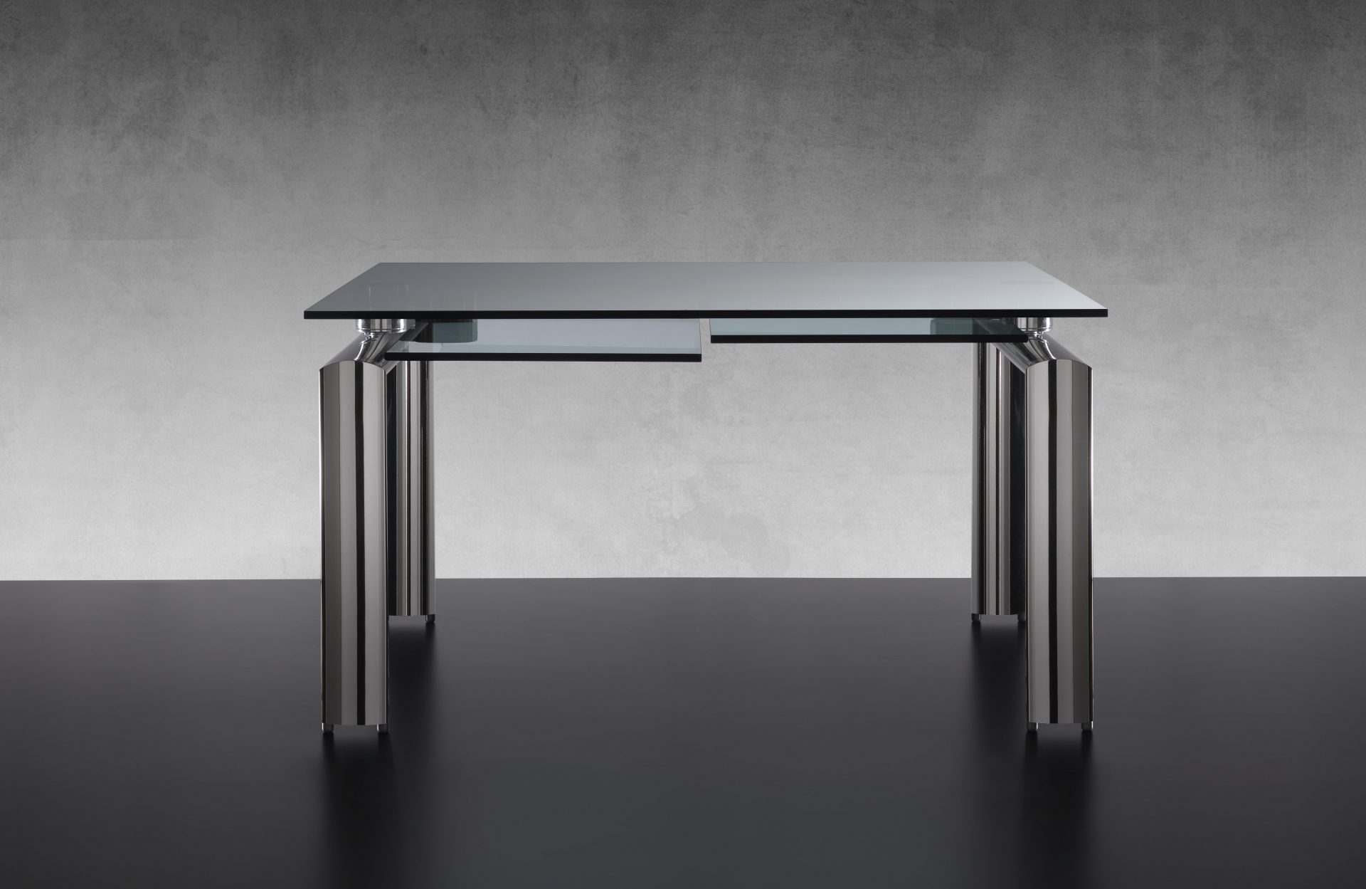 Policleto Dining Table