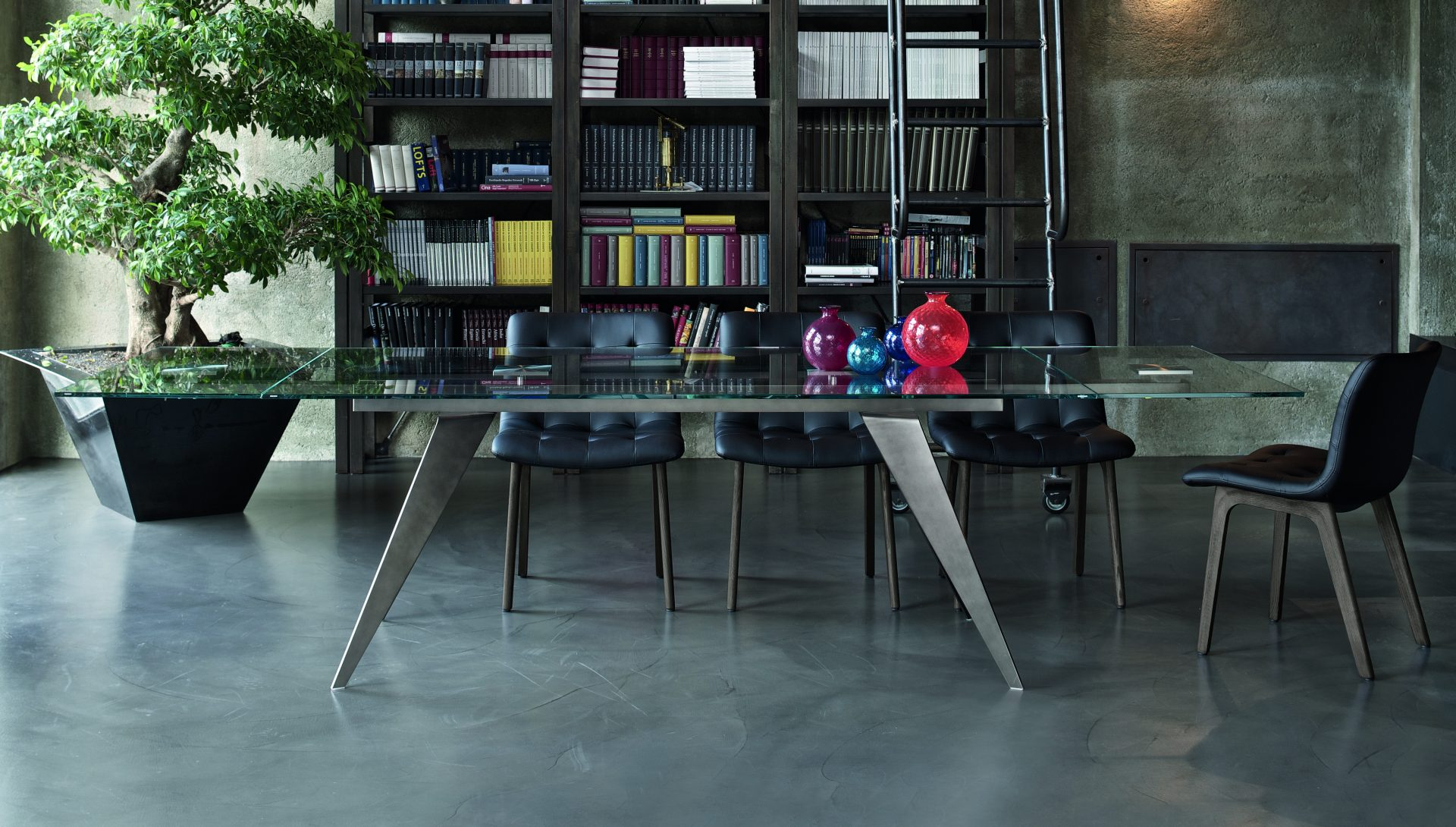 Ramouis Dining Table
