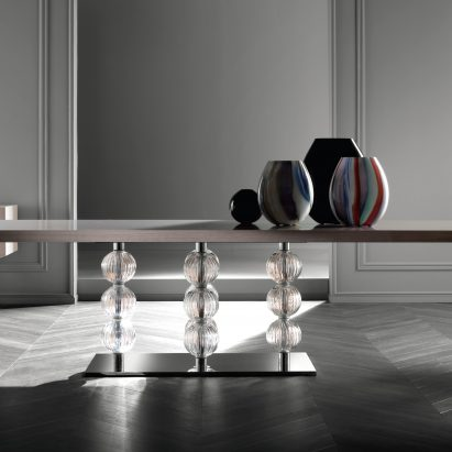 Royaler Dining Table