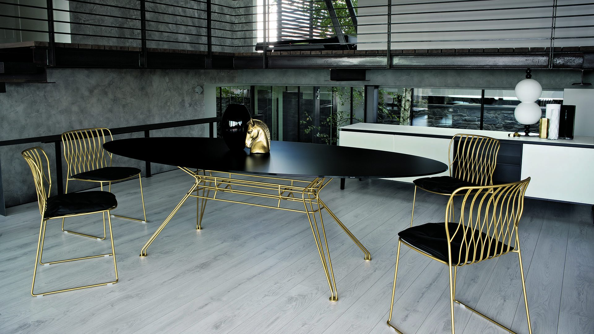 Sande Dining Table