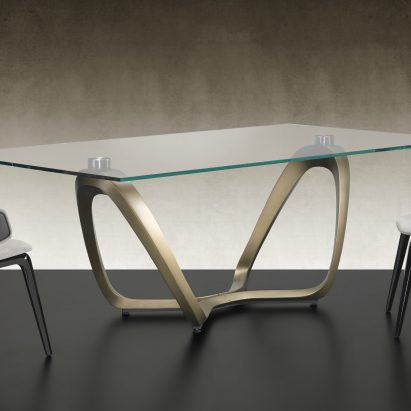 Segno Dining Table