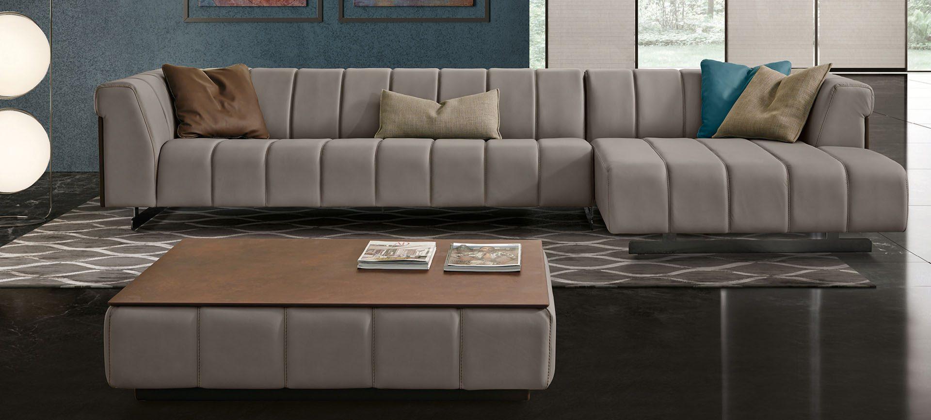 Nautilus Lounge