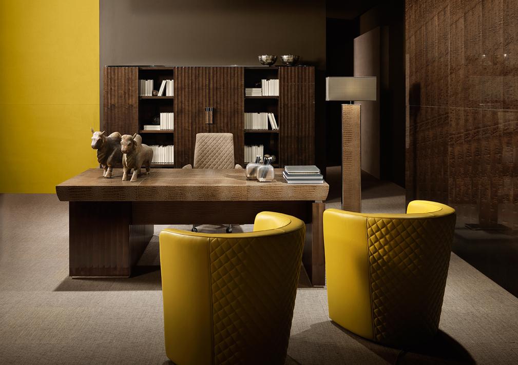Red Carpet Executive Desk