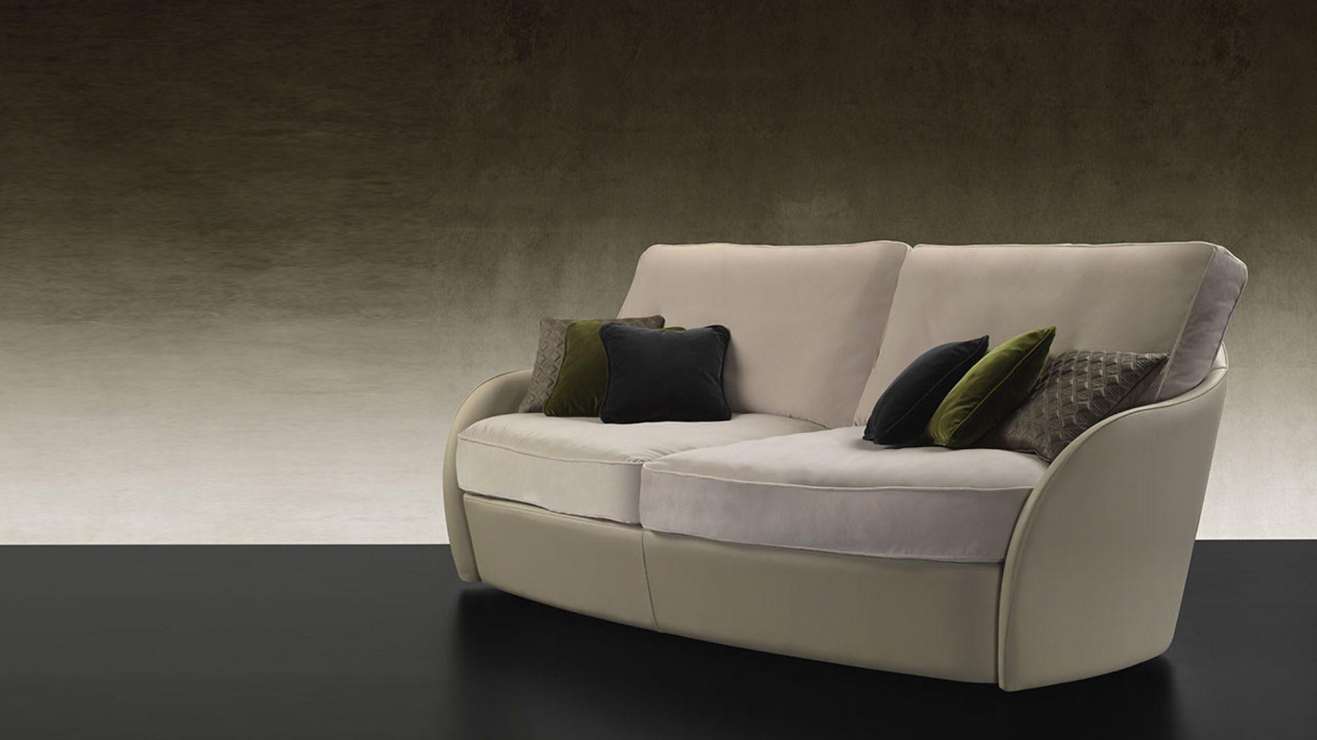 Swan Lounge