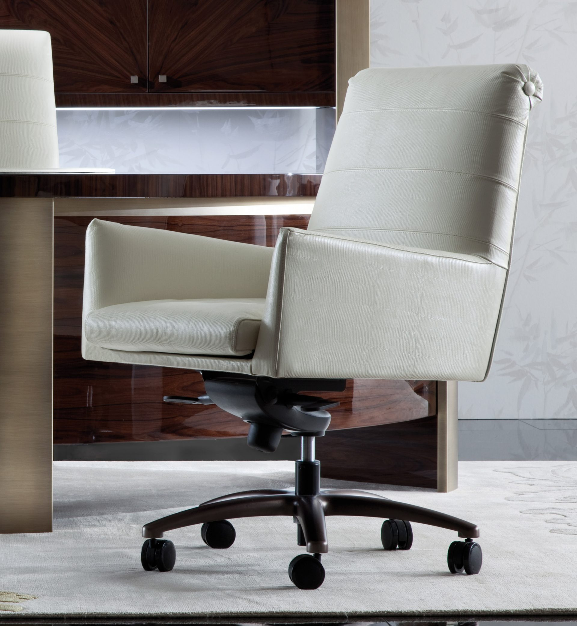 Coliseum Visitor Chair