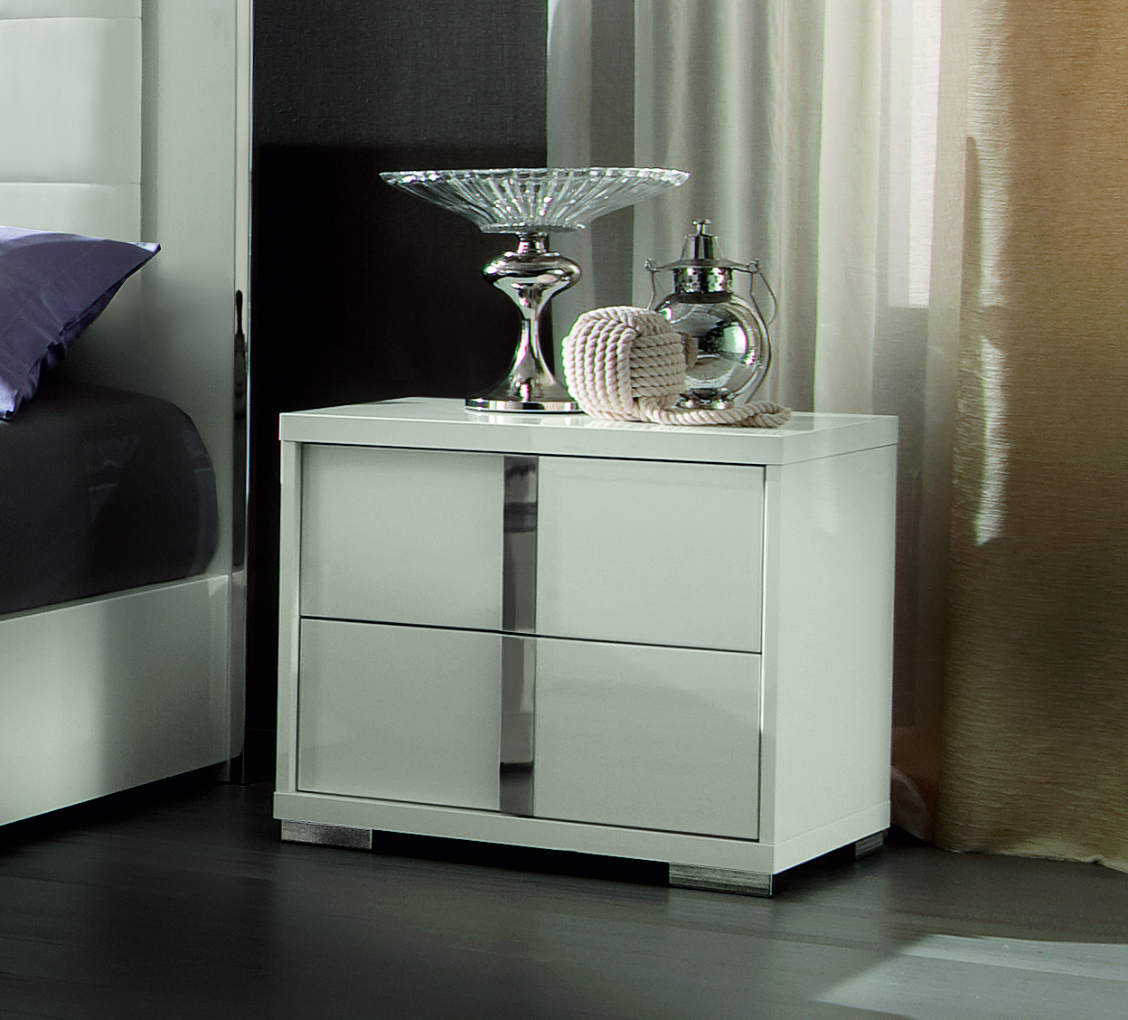 Imperial Bedside table