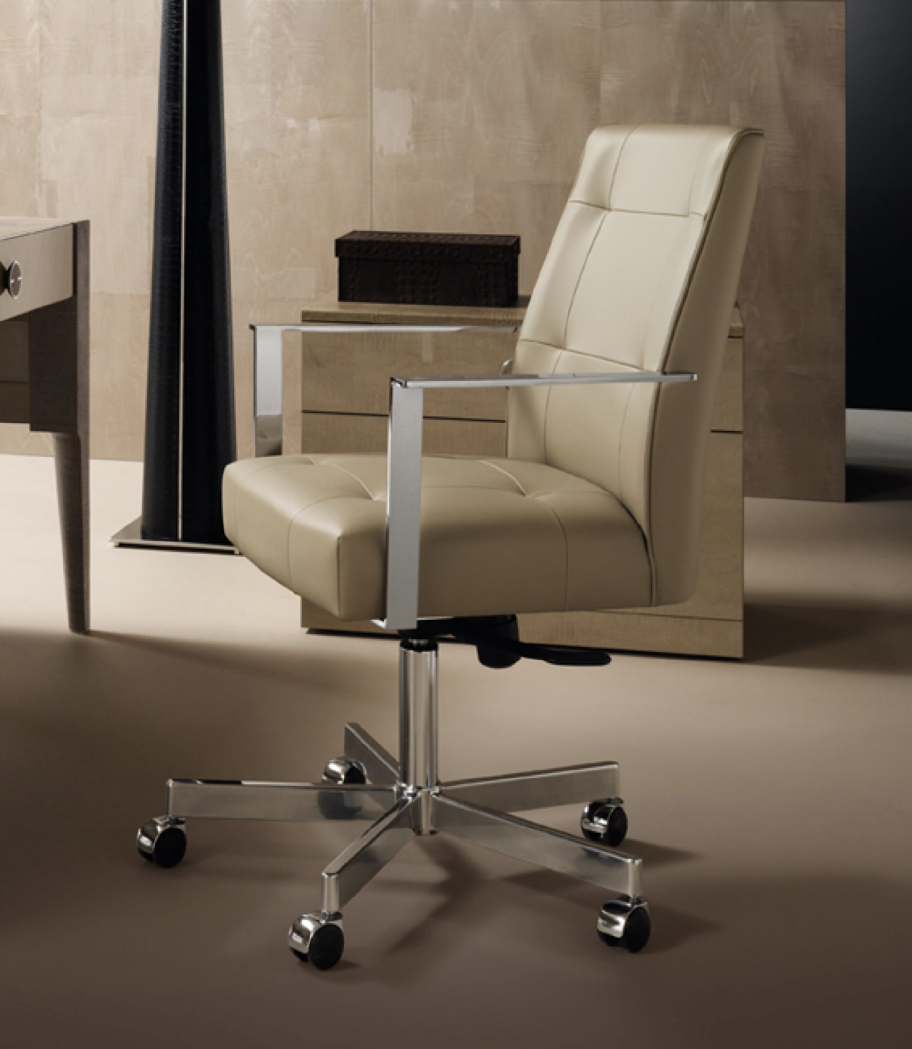 M Place Executive Chair