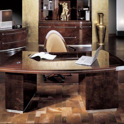 Monte Carlo Executive Desk