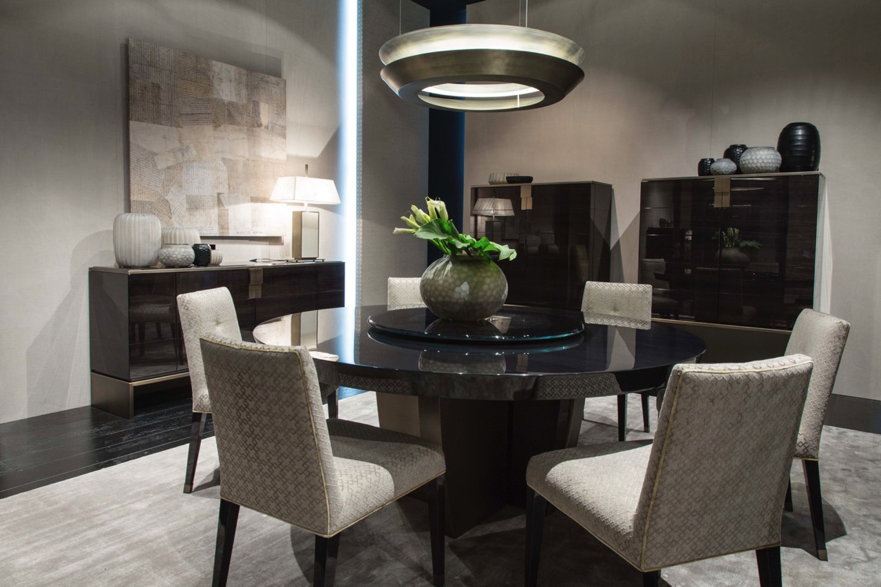 Black and More Round Dining Table