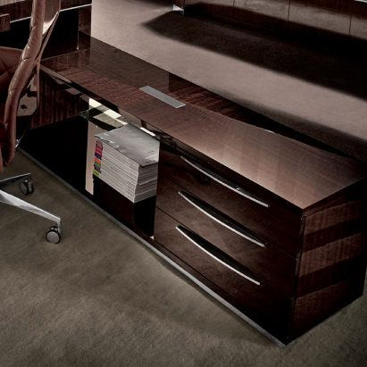 Vogue Return With Drawers