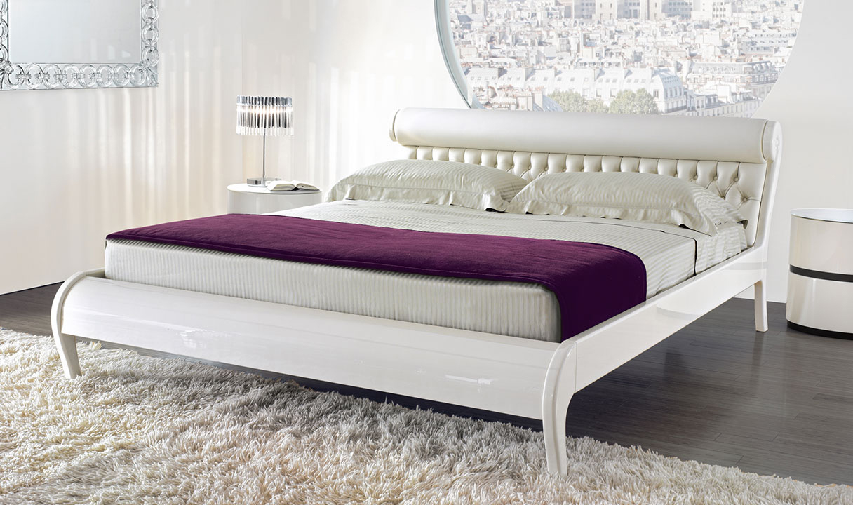 Bella Amor Bed