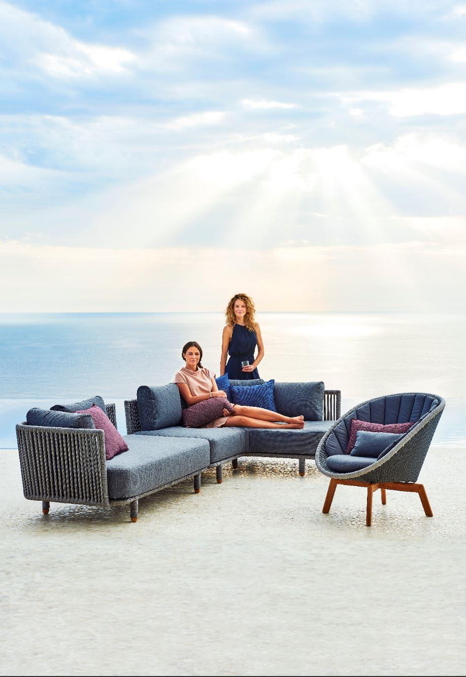 Moment Lounge