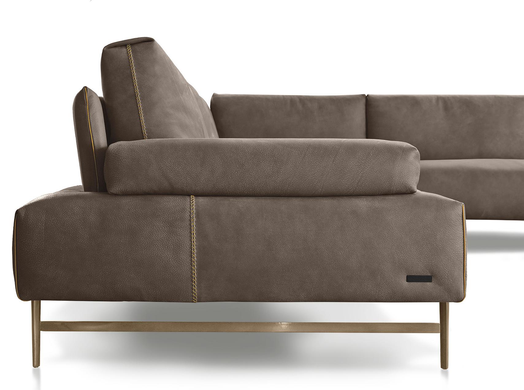 Saks Lounge