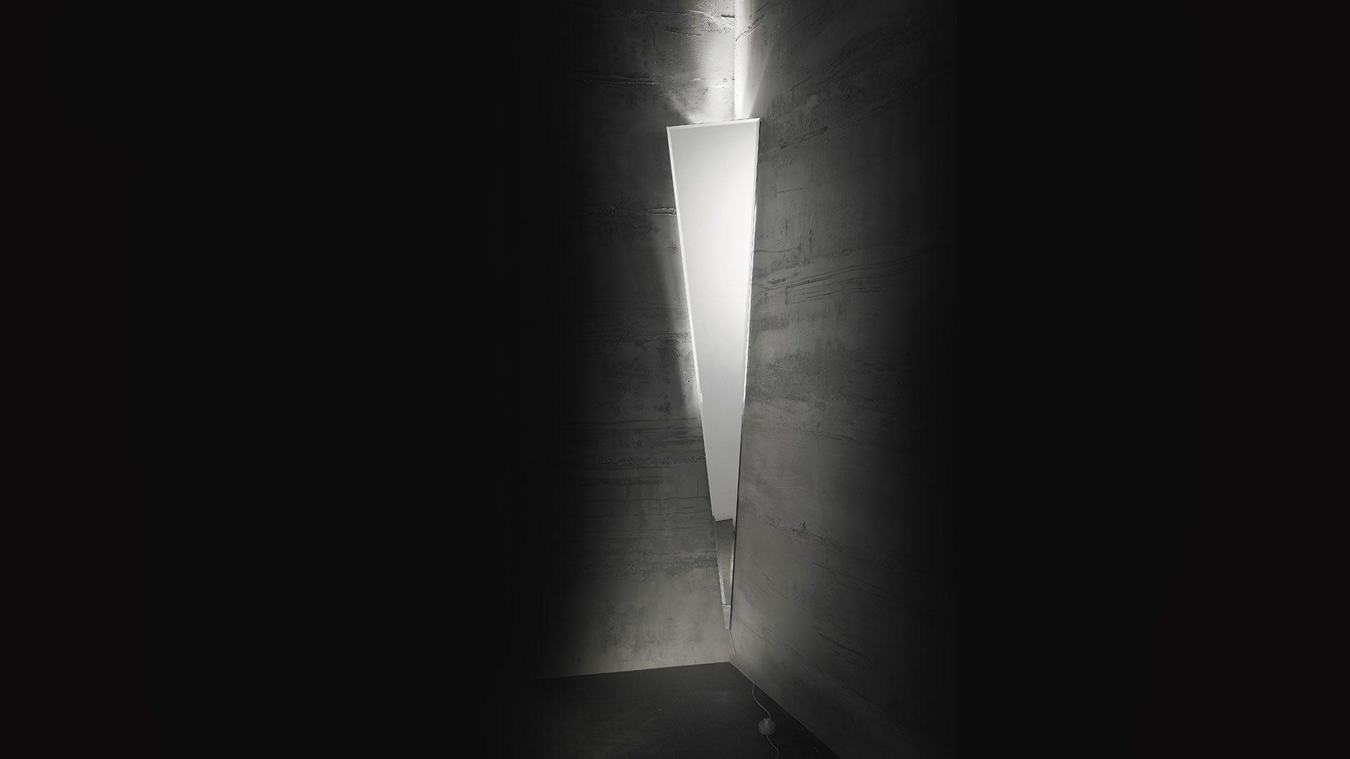 Petra Wall Light