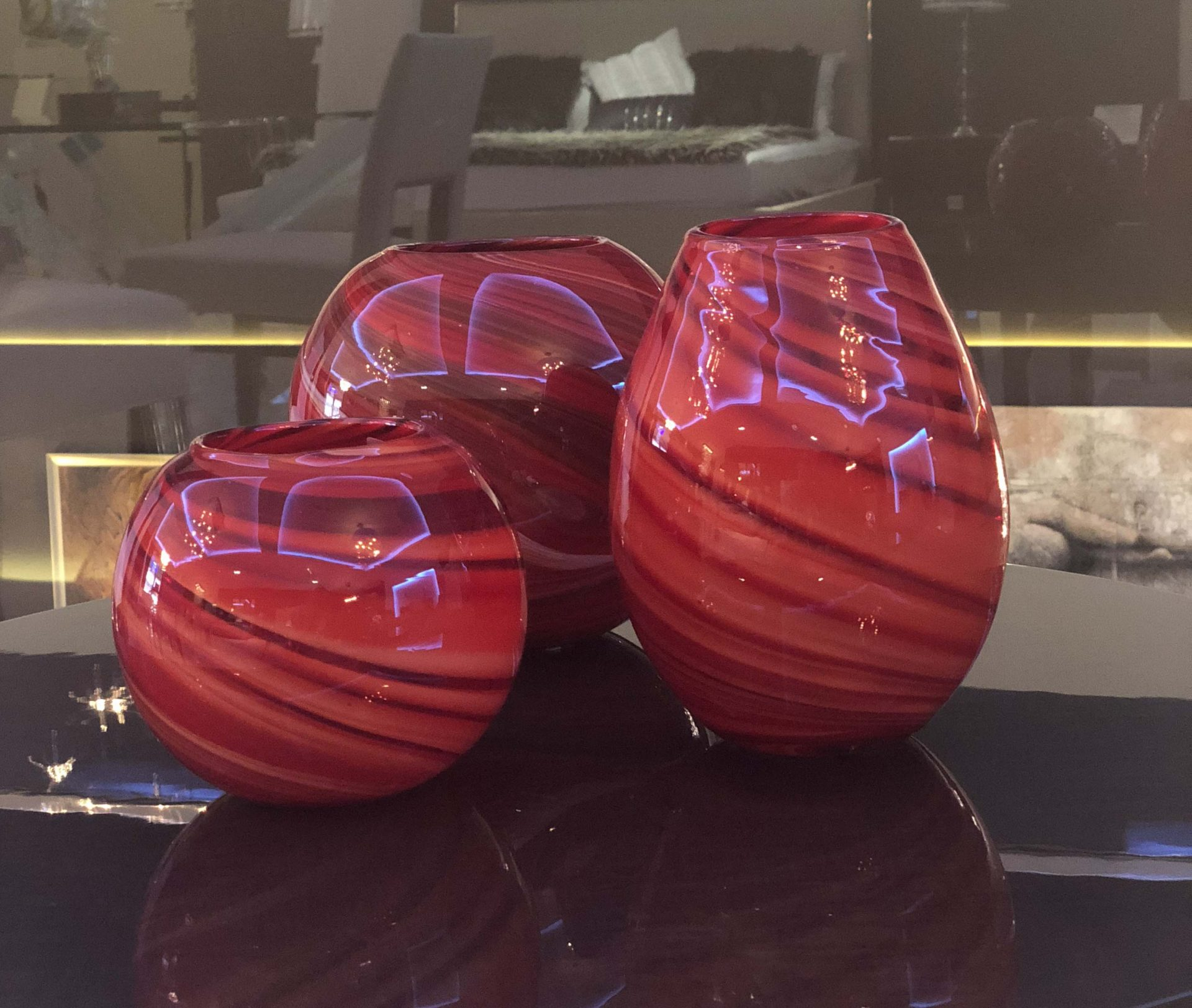 Red Vases Set