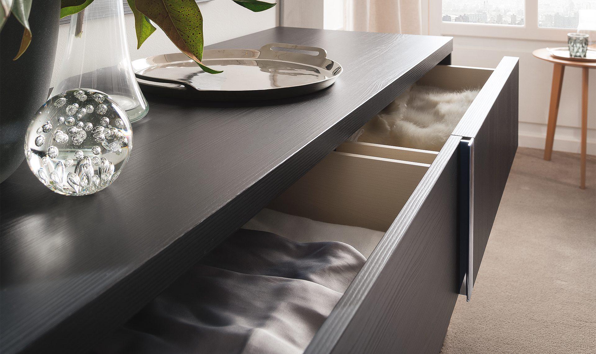 Etna Dresser