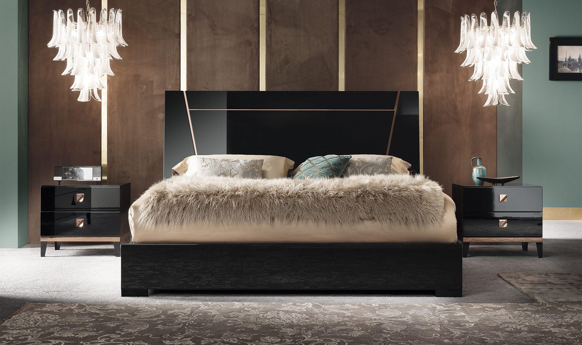 Monte Noire Bedside Table
