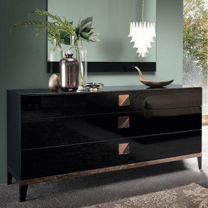 Monte Noire Dresser