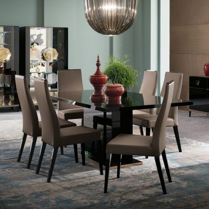 Monte Noire Dining Table