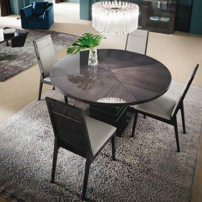 Versalie Round Dining Table