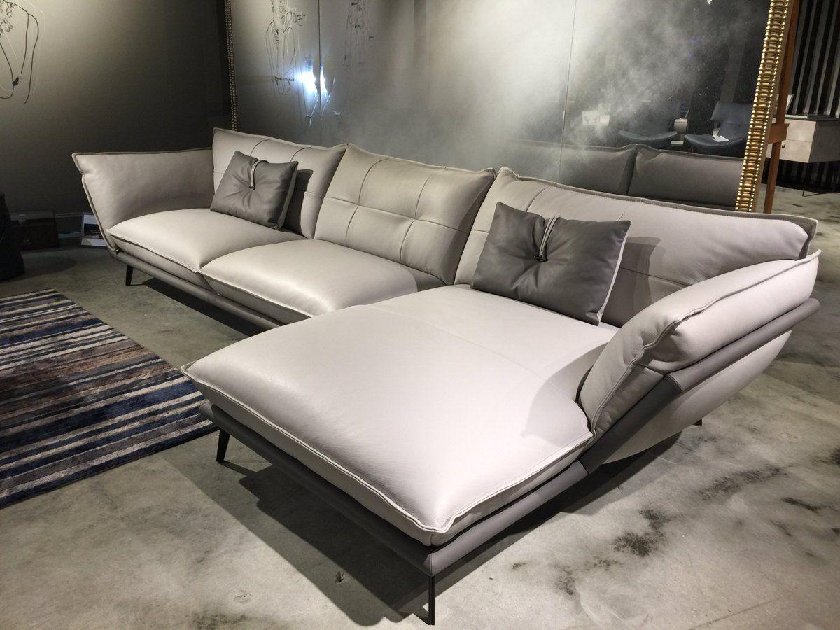 Hollywood Lounge
