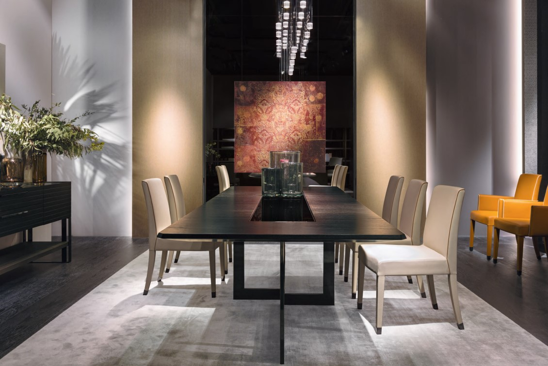 Perfect Time Dining Table