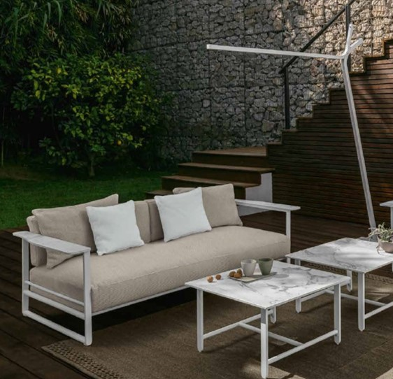 Riviera Lounge