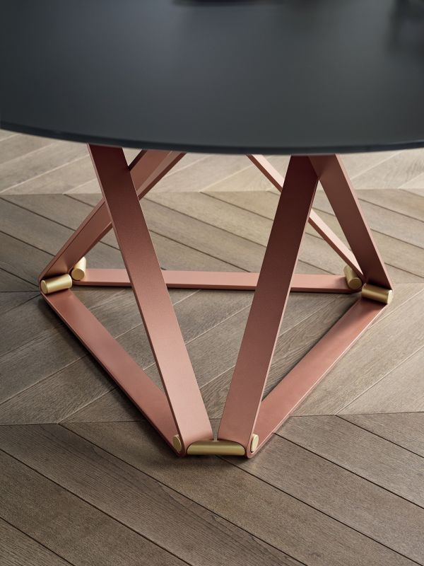 Deltaro Round Dining Table